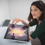 Kobieta przy komputerze, czyli o zabawie w słowa