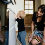 Jak nie oszaleć z maluchem, który buszuje po całym domu?